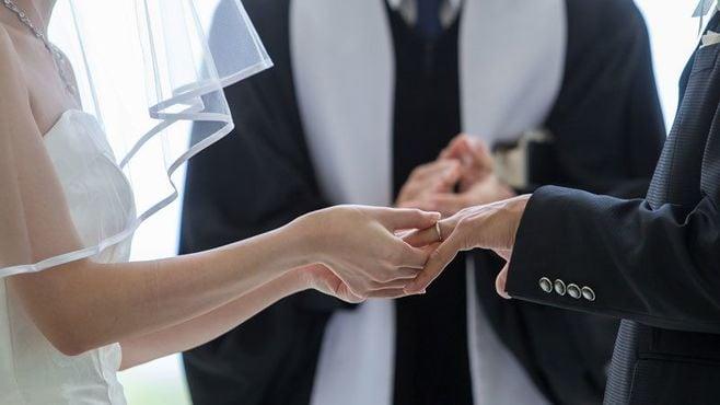 結婚式の「外国人神父」知られざる驚愕の真実