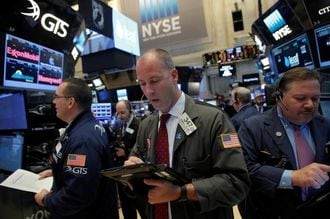 米国株続伸、ダウ12営業日連続で最高値更新