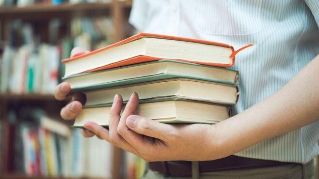 企業のDX化には「本棚を眺める」事が不可欠な訳