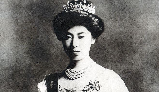 皇后が近代天皇制の中で果たした役割とは?
