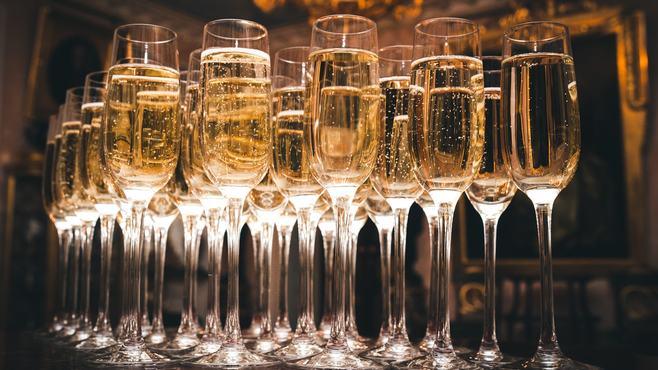 日本で「シャンパン」出荷量が激増した必然