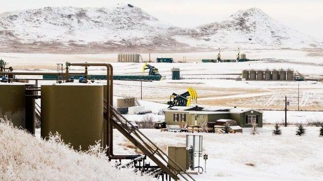 原油安で「得をする国」「損をする国」はどこか