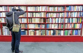 「自分で本を選べない大人」は、なぜ増えたか