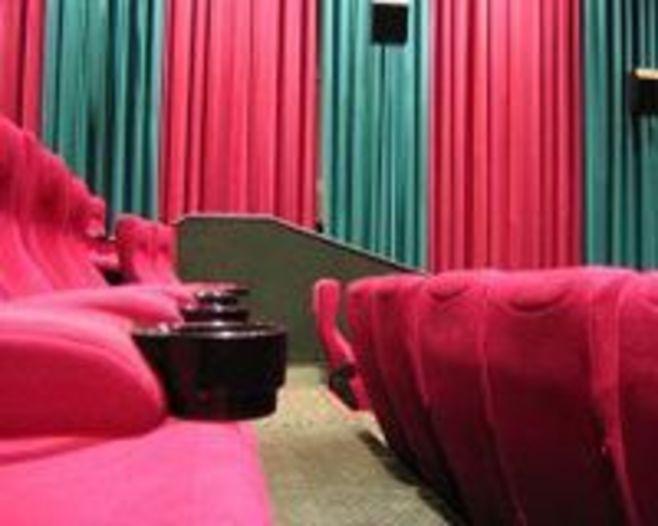 映画館の運営をどうすべきか?《それゆけ!カナモリさん》