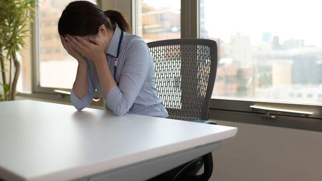 「エロ対決」セクハラ、被害女性が怒りの告発