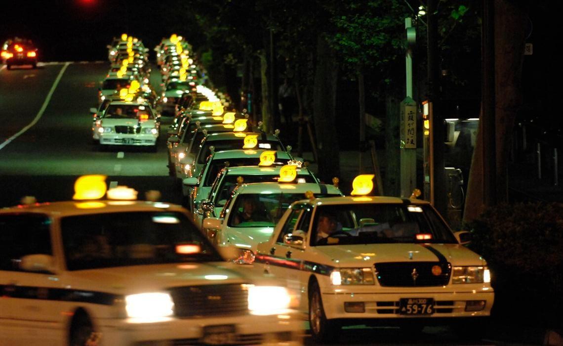 タクシー 手 ウイルス コロナ 運転