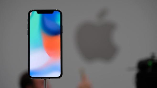 """新型iPhoneは、一体どっちが""""買い""""なのか"""