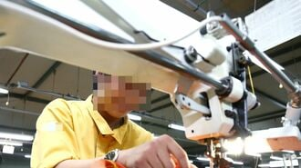 外国人を不当にこき使う繊維・衣服産業の疲弊