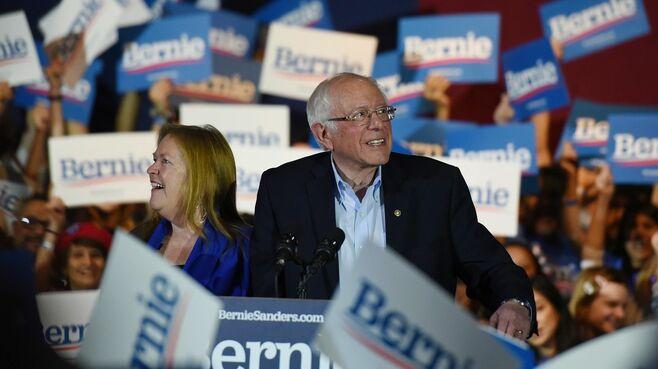 サンダース躍進で、民主党主流派はパニック