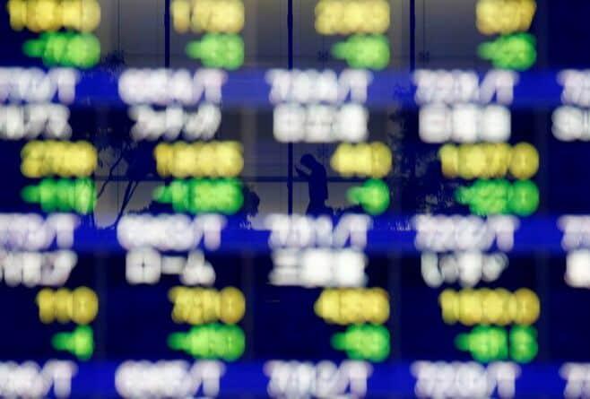 日経平均株価は小反発、材料出尽くし感が台頭