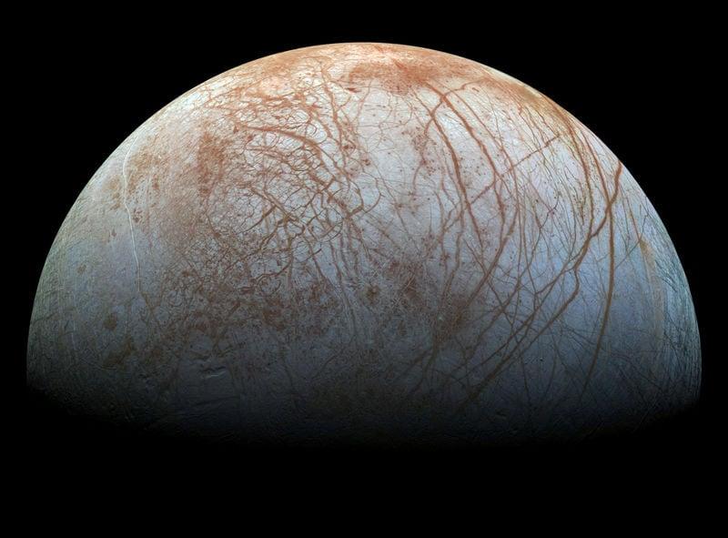 木星の衛星「エウロパ」に地球外生命体存在か