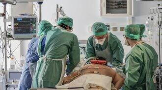 人工呼吸器、患者急増でも増産阻む「高い壁」