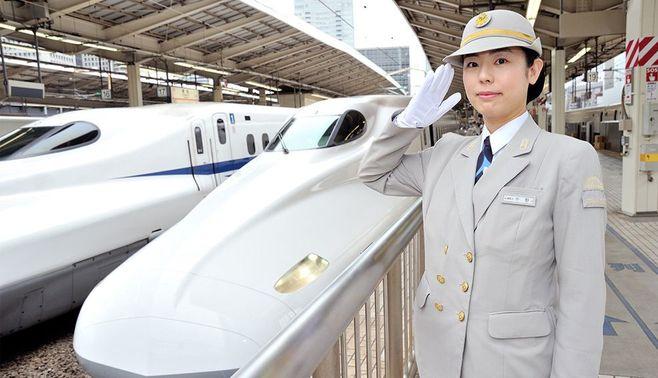 子どもたちに大人気!ママは新幹線の運転士