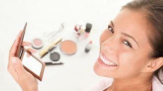 メイクアップ化粧品が「肌に悪い」は誤解です