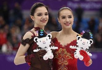 ザギトワとメドベージェワ、お互いに祝福