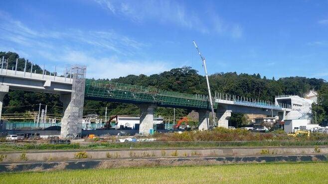 北陸新幹線「延伸遅れ」、追加費用と工期の行方