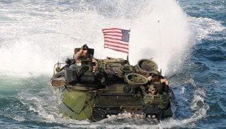 尖閣有事に水陸両用車「AAV7」は役に立たない