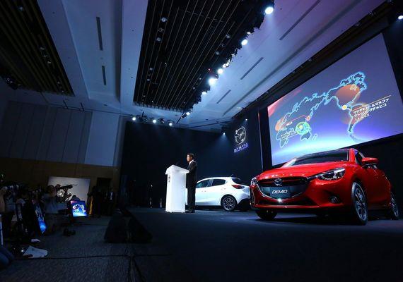 広島の3流自動車会社・マツダ ベンツやBMWのようなプレミアムブランドを本気で目指していた