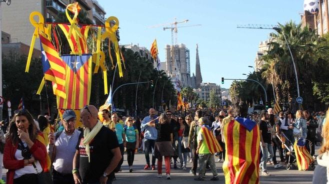 日本で報じられない「バルセロナ」デモの実際