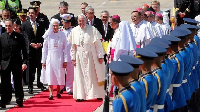 世界が熱狂する「ローマ法王」爆発的人気の理由