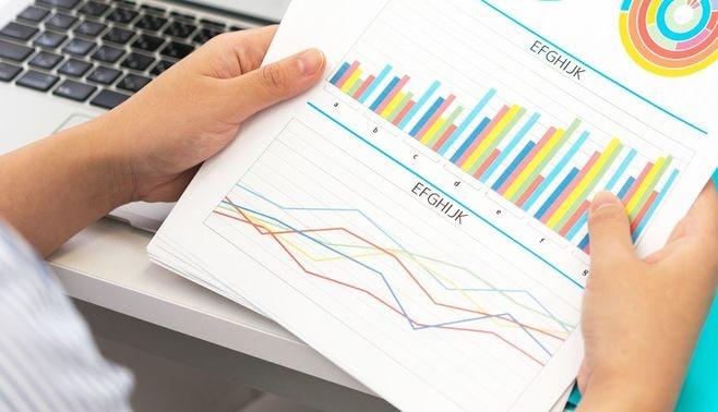 企画を通す人が実践する「2軸グラフの法則」