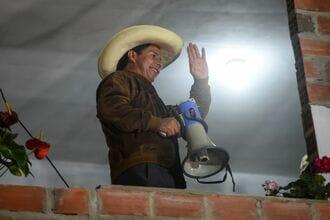 ペルー大統領選急進左派候補がフジモリ氏に勝利