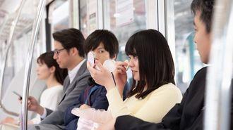 電車内で化粧する女性は許せる?許せない?