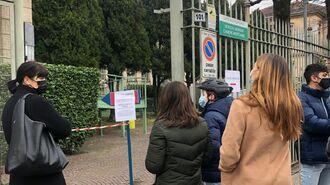 飲食店18時まで再開したイタリアの「共存生活」