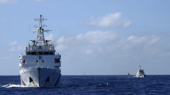 対中強硬策、「南シナ海日米共同監視」浮上