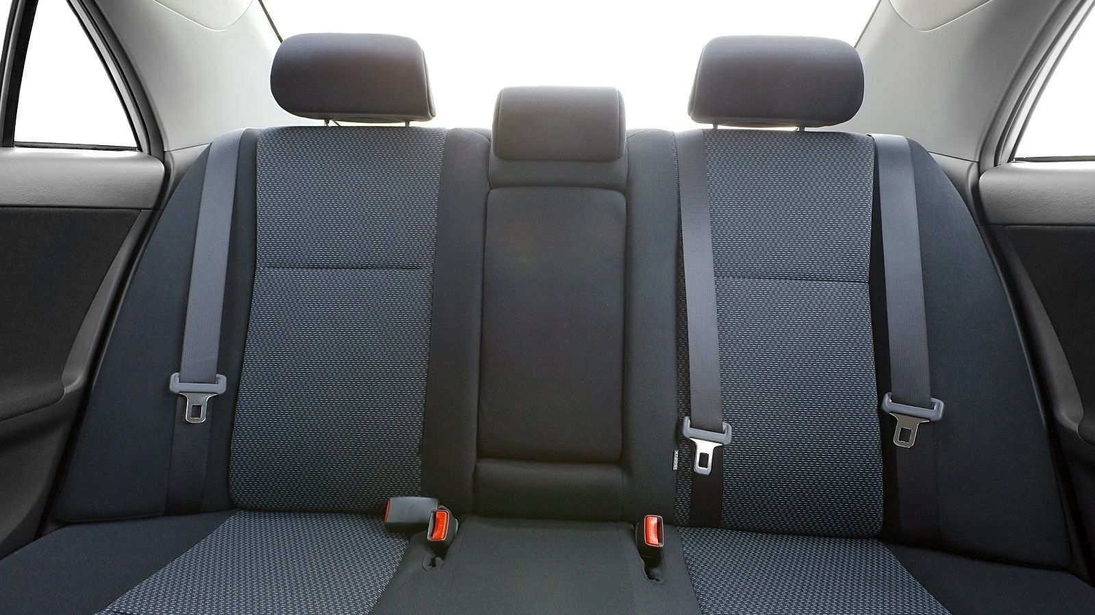 座席 シート ベルト 後部 後部座席のシートベルトが義務化!一般道でも未着用の場合は罰則に|中古車なら【グーネット】