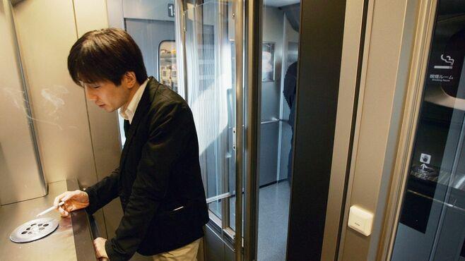 新幹線に近鉄…座席で喫煙できる列車が消える