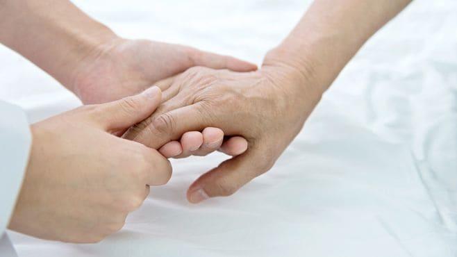「母の孤独死」42歳男に突如訪れた壮絶な現場