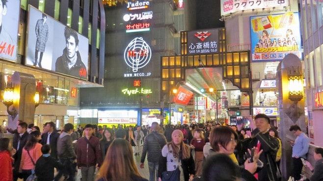 大阪・ミナミが「アジア人」で大混雑する理由