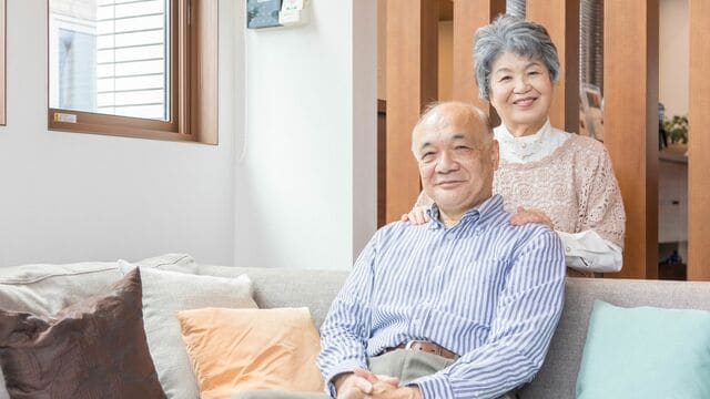 快適に老後を過ごすための住処、選ぶ際に考慮すべきポイントとは(写真:IYO/PIXTA)