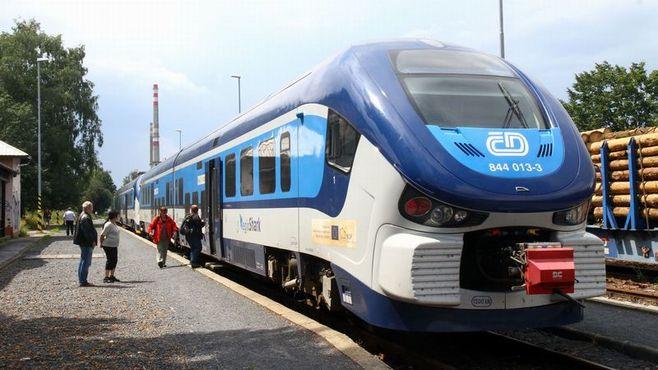 東欧鉄道メーカー苦戦に忍び寄る「中国の影」