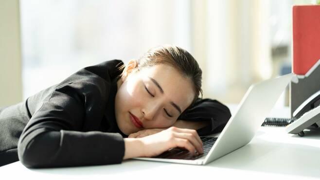 過眠症に苦しむ人を「薬規制」がなお悩ませる訳
