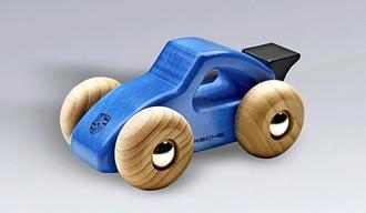 ポルシェ、子ども用の木製おもちゃを回収