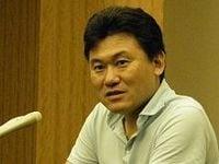楽天・三木谷社長が会見、海外展開推進へ国際物流整備