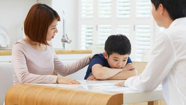 もし自分の子どもがいじめに遭っていた場合、親はどのように対応したらいいでしょうか?(写真:A_Team/PIXTA)