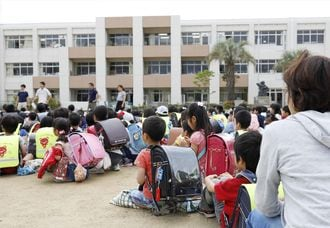 大阪北部地震被害、80歳男性と9歳女児が圧死