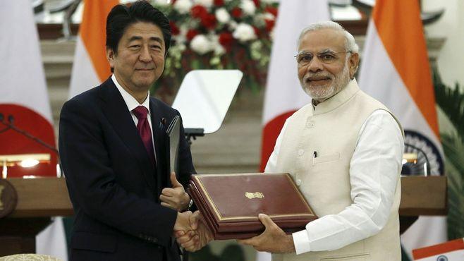 インドと中国、なぜ経済に大差が付いたのか
