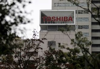 Foreign investors sue Toshiba over accounting scandal