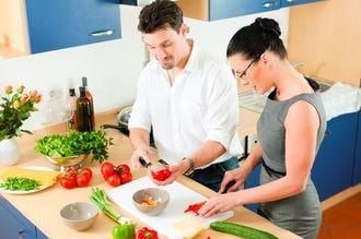 「料理はお母さん」発言の教育長を直撃