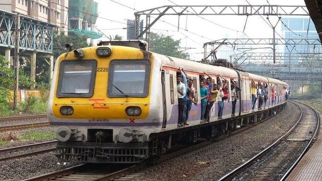 インドの電車が「ドア開けっ放し」で走るワケ