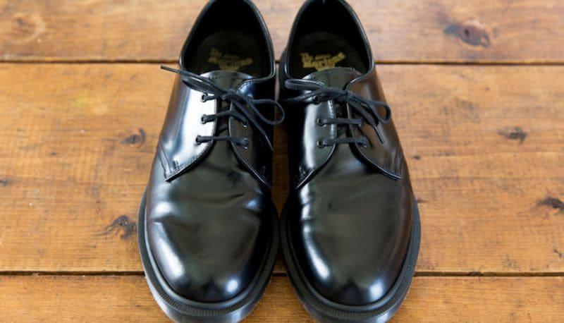 ピッカピカ!これが新品以上に光る靴磨きだ   OCEANS