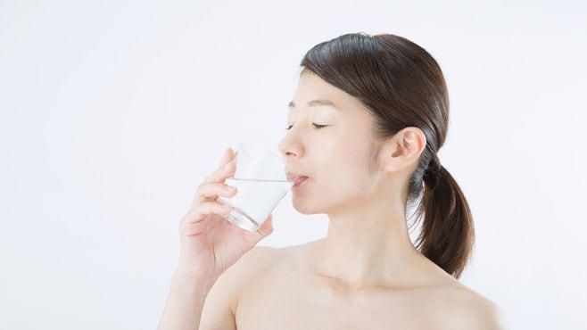 「水を大量に飲むとやせる」という説の大誤解
