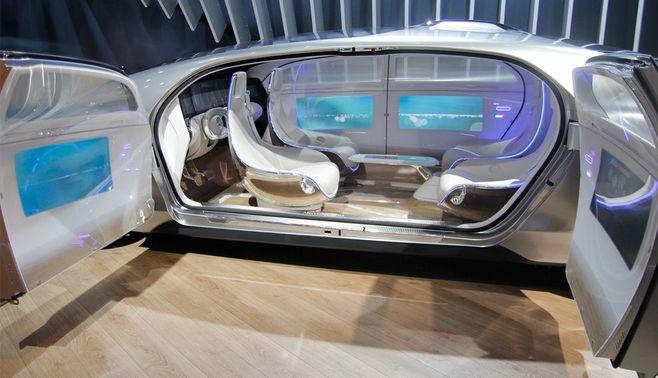 ベンツが探る「本当に安全で快適な高級車」