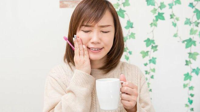 歯石を除去すると「歯茎がしみる」と感じるワケ