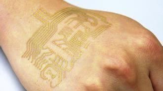 日本の研究チーム、肌に貼れる電子回路開発
