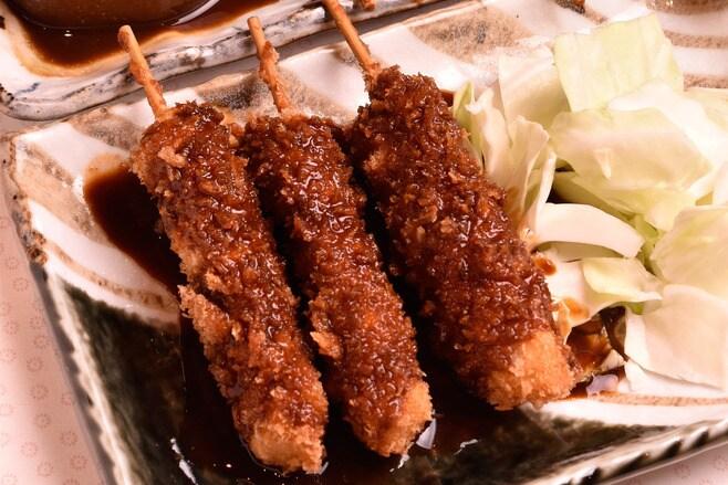 名古屋の味噌カツ「矢場とん」が串で勝負する訳